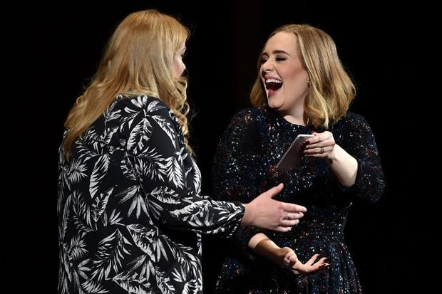 Adele Met Her Doppelgänger Mid-Concert in Birmingham, England Last Night: See Their Selfie