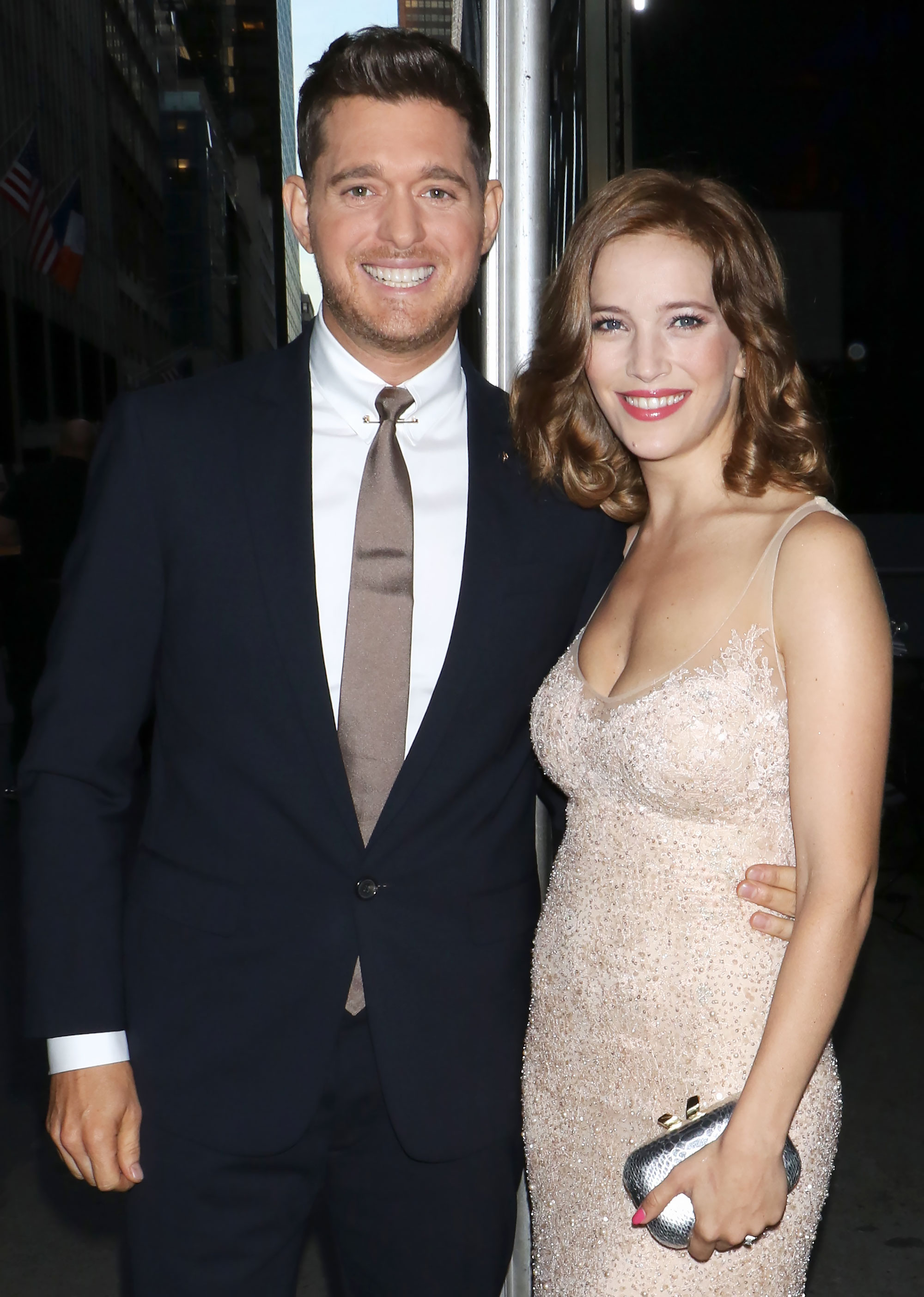 Michael Buble Showers Wife Luisana Lopilato With Compliments After Elbowing Video