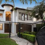 Raven-Symoné Lists Stunning Sherman Oaks Home—You Must See The Walk-In Closet! Photos