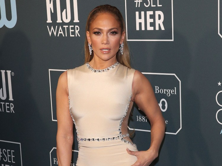 new-year-new-you-gallery-jlo2